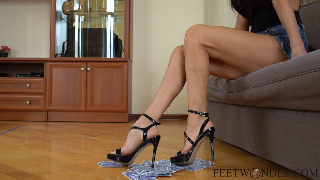 Long Legs With Perfect Feet