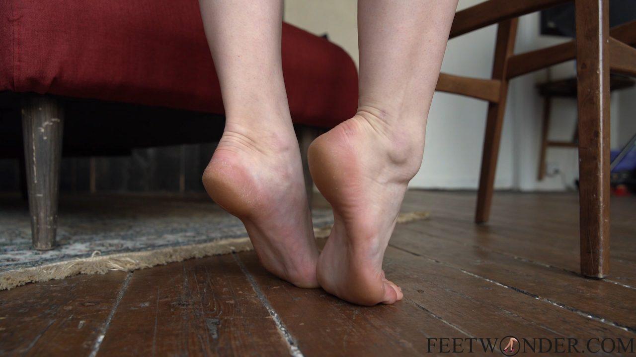 her-sexy-feet