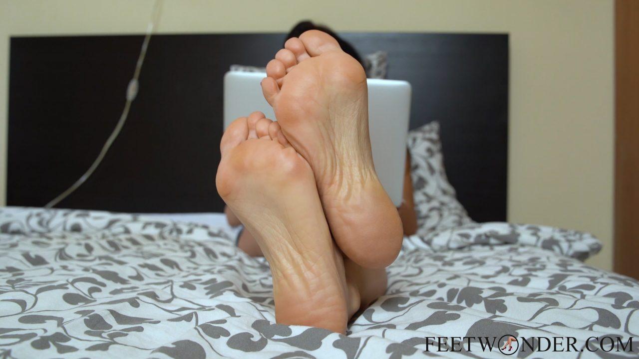 perfect-soles-feet