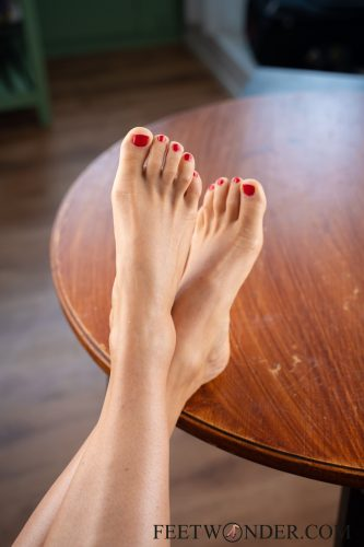 Sexy Female Soles And Toes-29