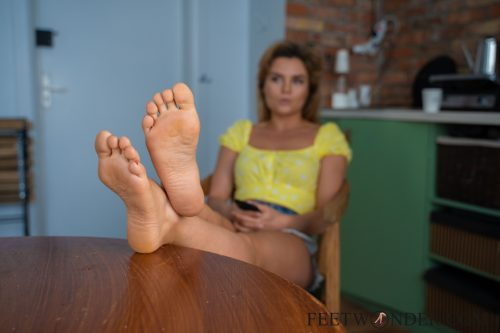 Sexy Female Soles And Toes-36