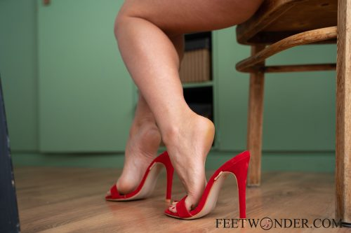 Sexy Female Soles And Toes-57