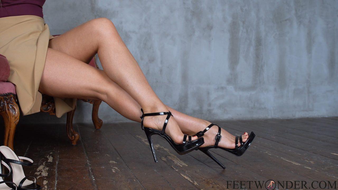 Beautiful Female Feet In High Heels