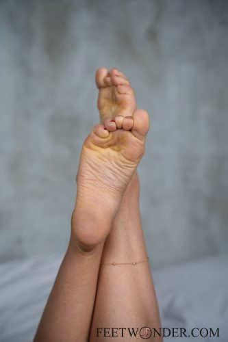 Sexy Female Soles And Toes-19