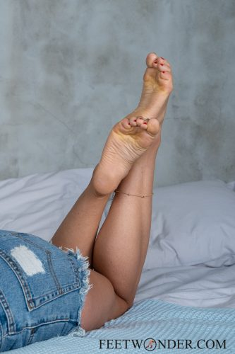 Sexy Female Soles And Toes-24