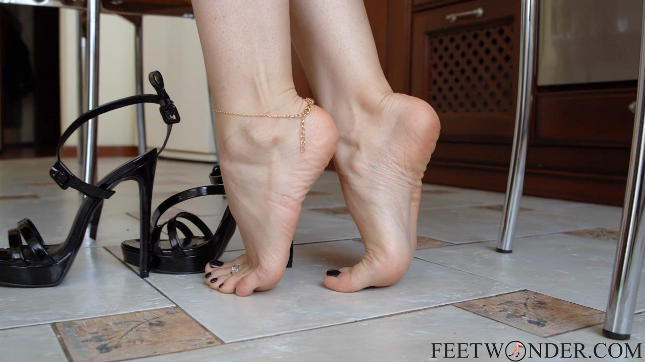 flawless feet toes soles