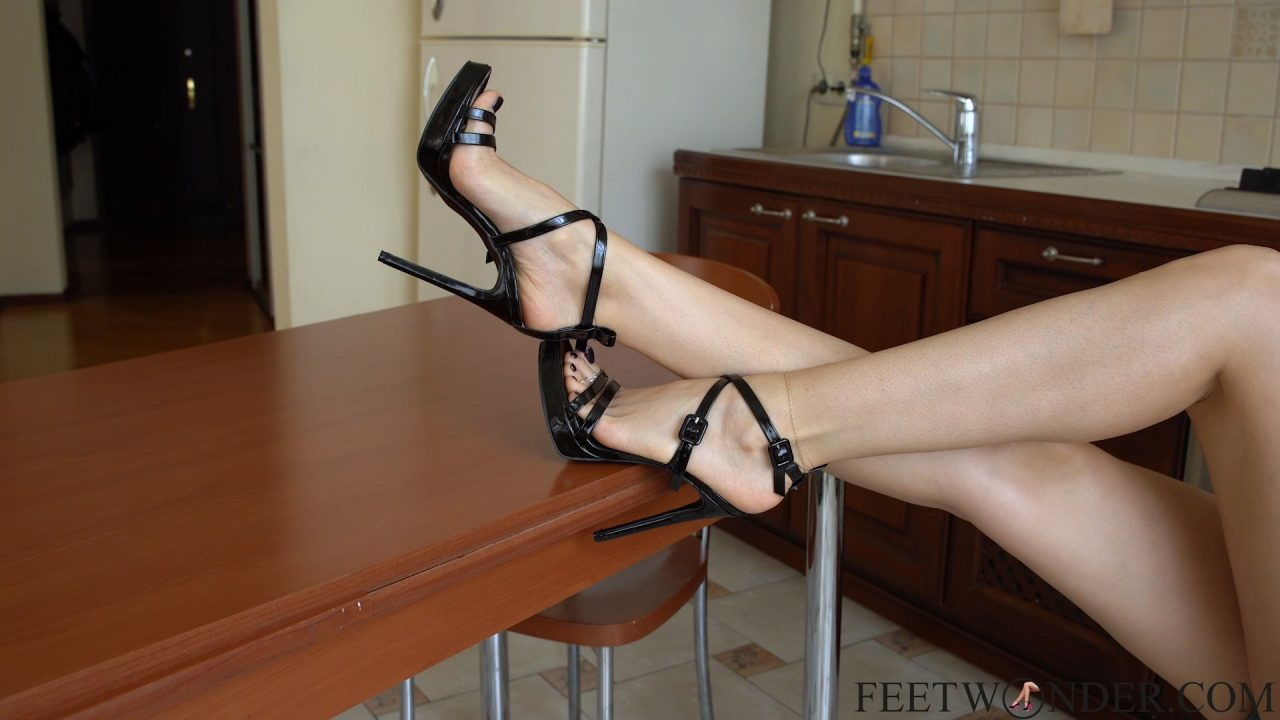 sexy flawless feet