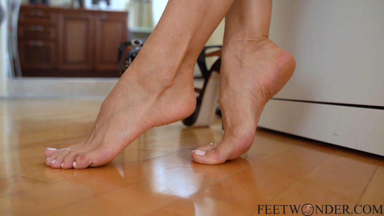 sexy toes closeup