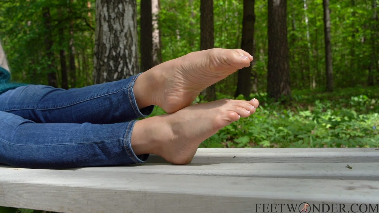 pointed toes outdoor