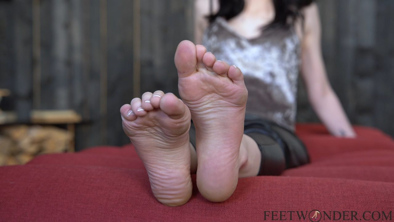 sexy smelly feet and soles