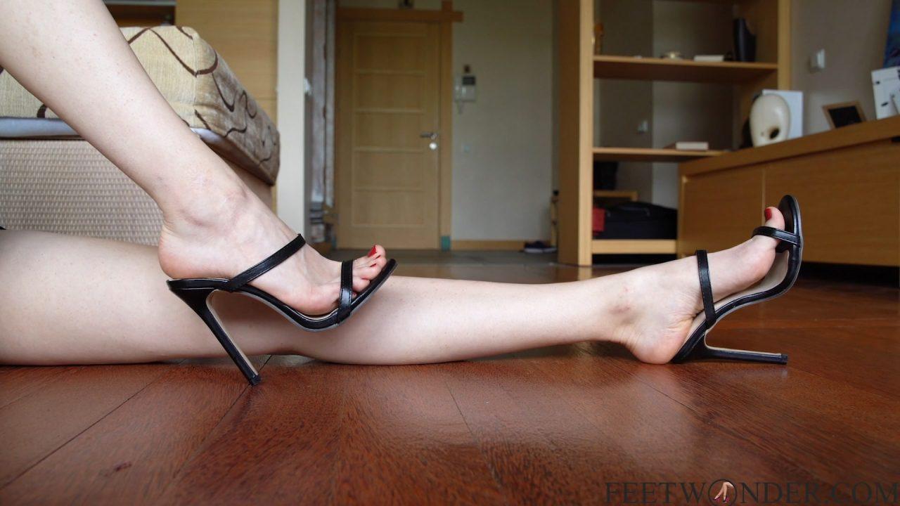 small sexy beautiful feet