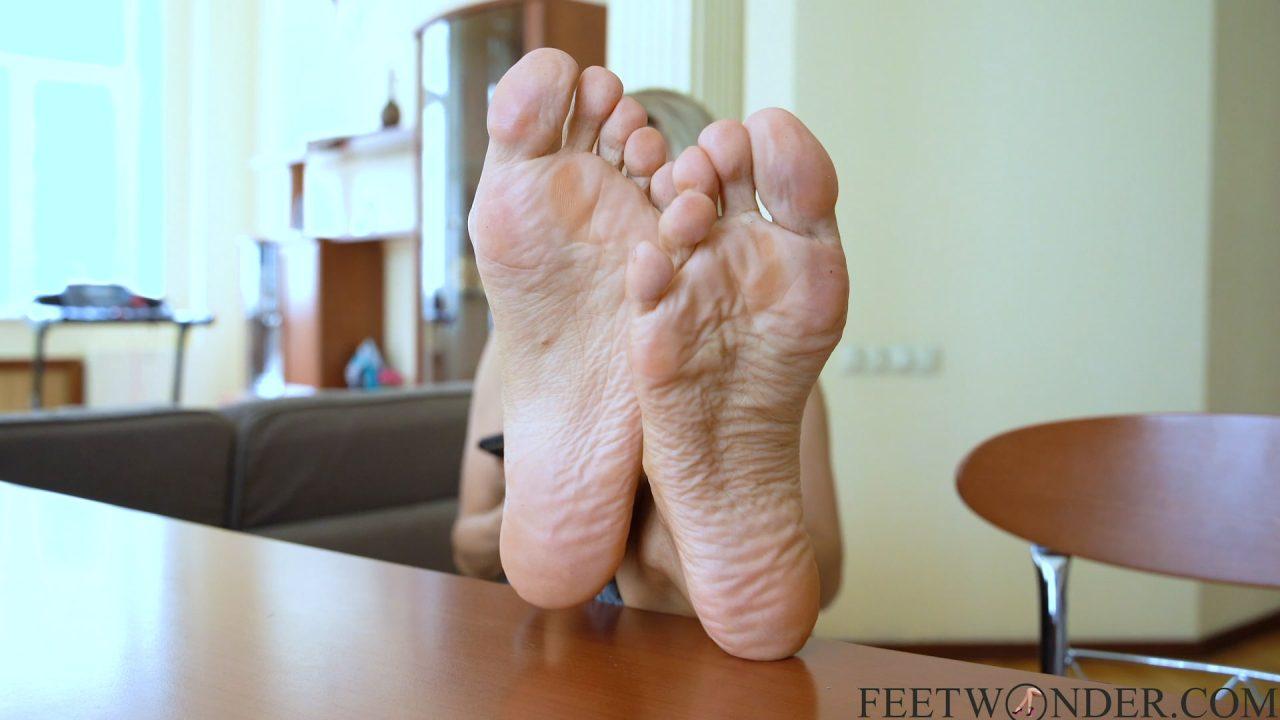 wrinkled female soles