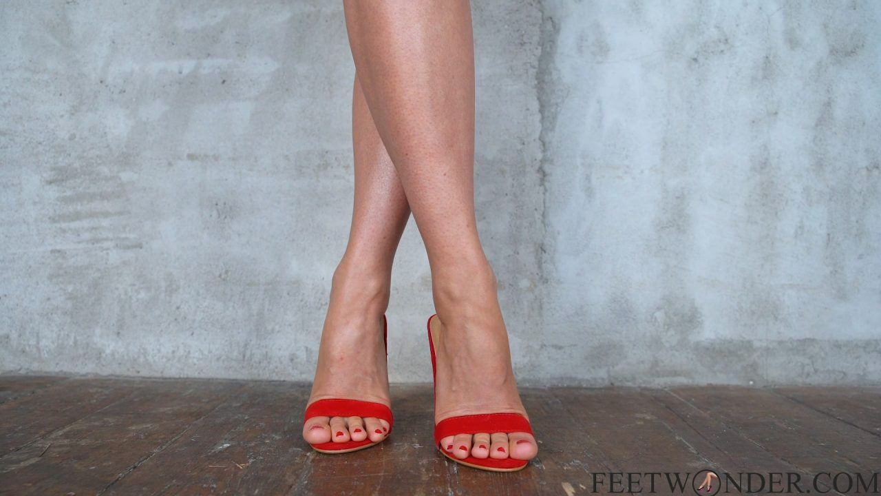 Sexy Toes With Red Nails
