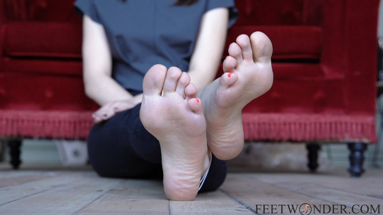 pretty feet and soles