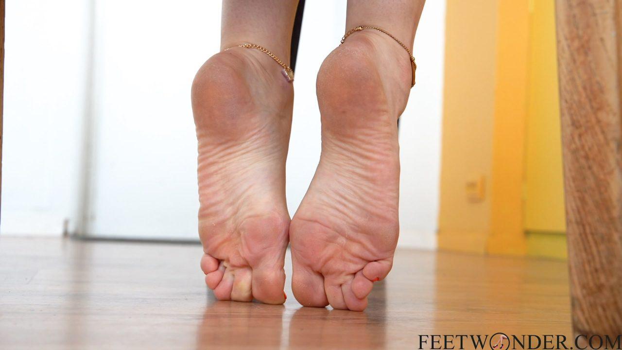 sexy female soles