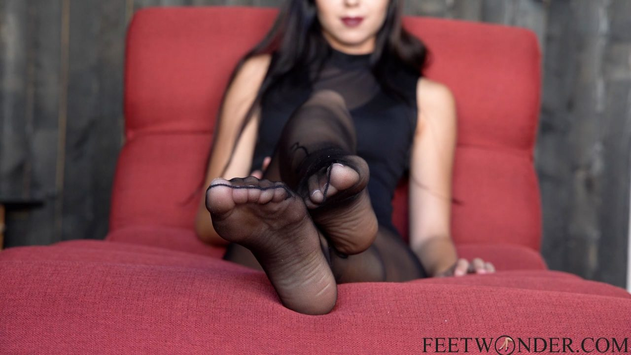 Soles in black nylon