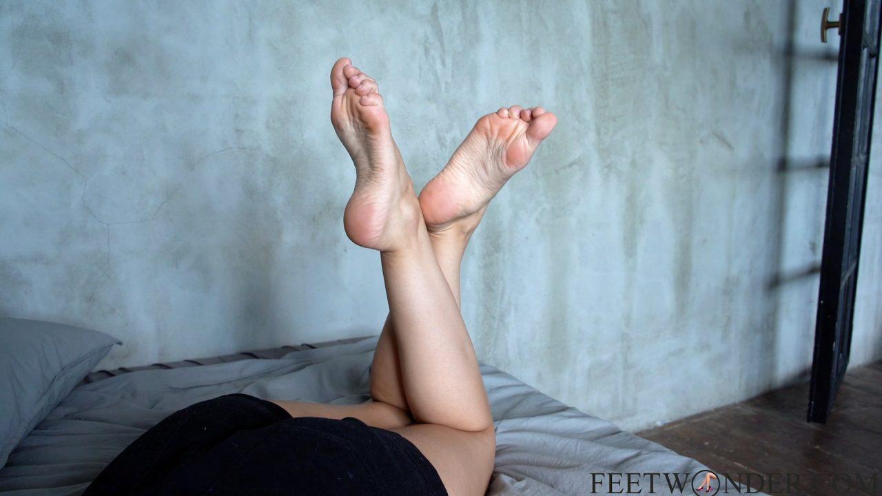 crossed feet and nice legs