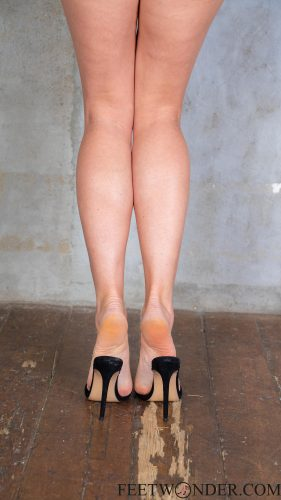 Sexy Feet And Soles In High Heels