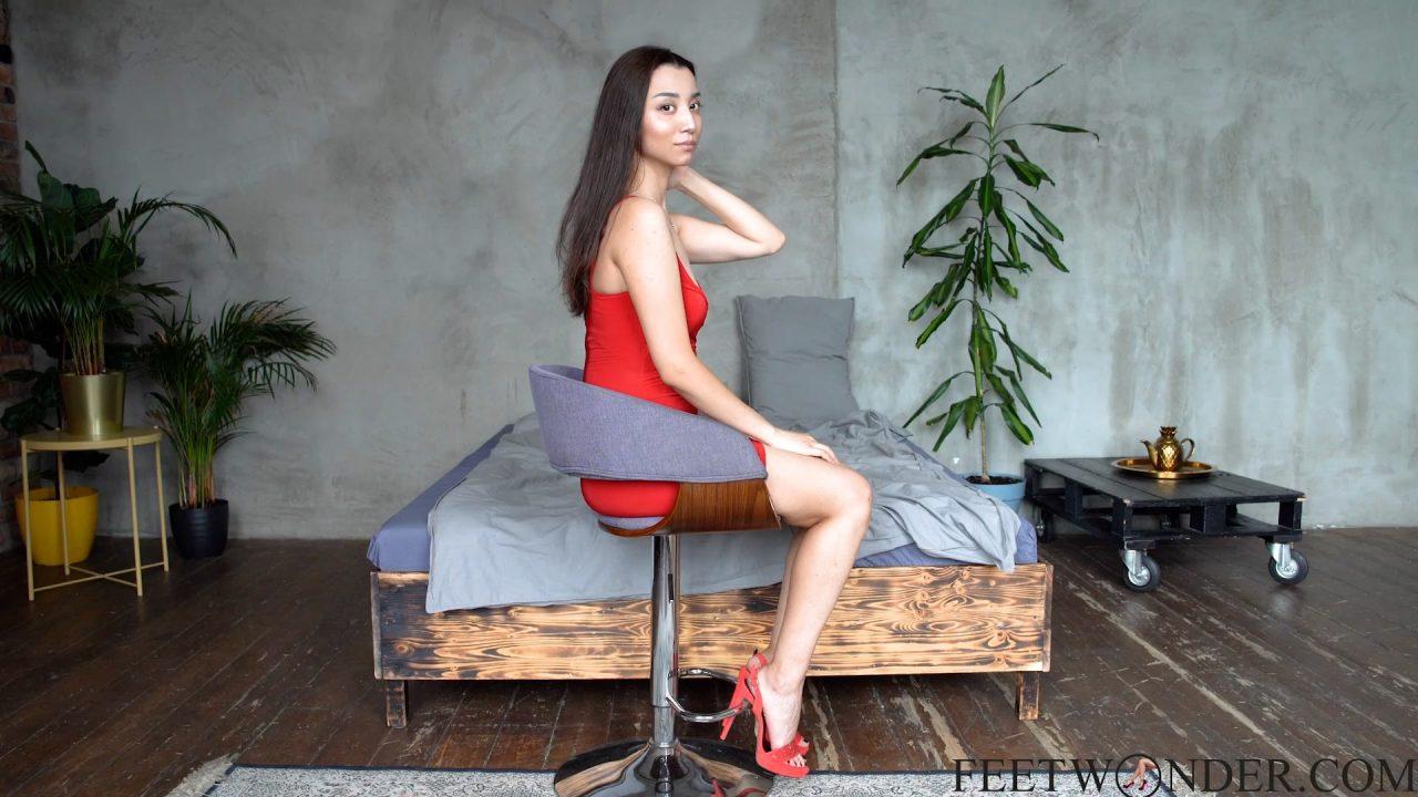 beautiful asian feet model-min