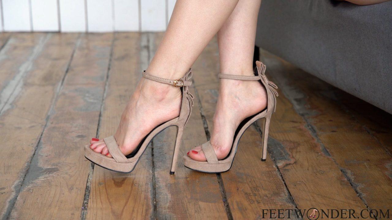 sexy small feet in high heels